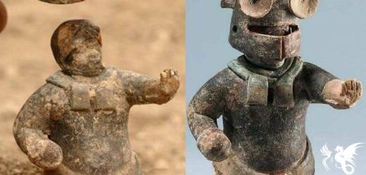 """La prima """"action figure"""" della storia? Una statuetta Maya, con elmo rimovibile"""